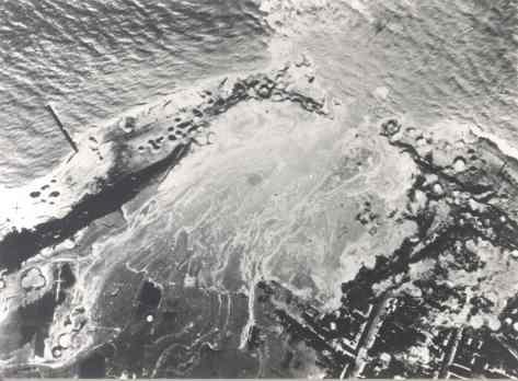 Westkapelle gat zeedijk.jpg
