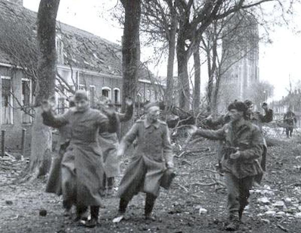 Westkapelle inname 1944.jpg